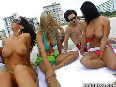 Секс с женой на пляже